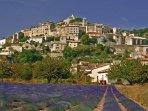 Simiane la rotonde, village de caractère en Haute Provence.
