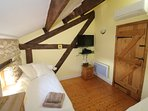Yellow Suite Twin room with two single beds, air con, Xbox 360, views over garden