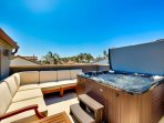 20% OFF OPEN DEC! Perfect Family Home, Roof Top Deck w/ Private Jacuzzi & A/C