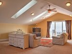 The Great Room is a separate studio offering guests 800 square feet of extra privacy.