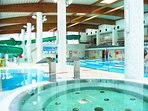 The 25m pool with jacuzzi, kid's baths, waterside and 2 saunas (free entry card).