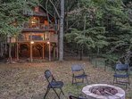 CREEKSIDE HAVEN- ADORABLE 2 BEDROOM/1 BATH PRIVATE CABIN ON A CREEK! SLEEPS 5