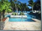 Abbassare il livello della piscina che si trova direttamente sulla spiaggia
