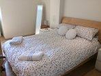 Master bedroom king Size bed En-suite