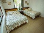 Bedroom 3 with 2 Queen size
