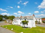 3 bedroom, 3 bathroom high quality traditional Cornish cottage