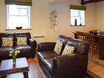 Lounge/Sitting Area For 5 Guests - Recently Refurbished