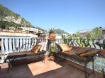 small roof terrace with stunning views on Mt. Etna and the historic city center
