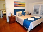 King size bedroom, linen  and towels supplied