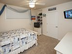 Bedroom,Indoors,Room,Furniture,Floor