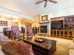 Emerald Lodge Living Room - 5102