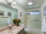 Shared bath for bedrooms 4 & 5