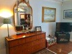 Master bedroom, 42' smart TV