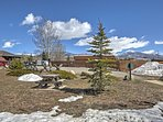 You'll love the location of this condo and its proximity to a variety of Grand Lake activities!