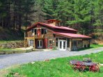 Perfect Country Setting located in the Heart of Activities