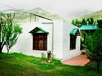 Silver Streak Cottage near Manali.