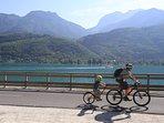 Côté Bauges: La voie verte du Lac d'Annecy, départ à 200M de la location