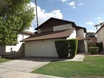 Beautiful spacious home near cardinals and coyotes stadiums and nice restaurants and Tánger outlets