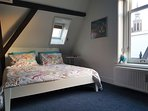 Bedroom with 2p bed