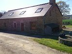 Spacious Family Farmhouse .Peaceful rural location. Close to beaches.Great Views