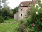 Holiday rental in a water mill in Burgundy