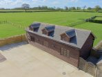 The Cotswold Manor Byre - Hot Tub and Games Barn