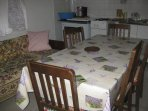 H(5): dining room