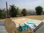 Private terrace, cava and nibbles with h a view of the sea!