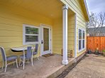 Experience Portland's diverse culture from this brand new, residential vacation rental cottage that sleeps 5 in the...