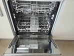 Fitted dishwasher