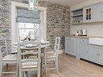 Delightful kitchen / dining area
