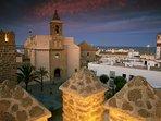 Magnífica vista de la Iglesia de la O desde el Castillo de Luna