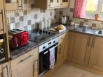 Modern fitted kitchen (NEW 2016) Oven, Hob, Microwave, Fridge, Freezer + separate utility room.