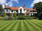 Stunning Edwardsouth facing arts & crafts mansion, retaining many original features, river views