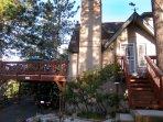 Ironwood Inn - Enjoy the majestic mountain and relaxing, beautiful lake settings