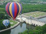 Survol du château de Chenonceau en mongolfière
