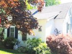 Centrally located cozy cottage near all!