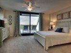 Queen Bedroom, Overlooking Links Golf Course!