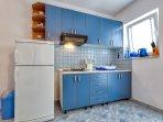 A3-Plavi (2+1): kitchen