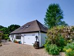 Peaceful spacious barn surrounded by the beautiful Kent countyside