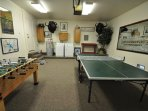 Ping pong table & foosball in the garage + washer/dryer, Unit 1 Lot 89 Pine Mountain Lake Golf Course View Vacation...
