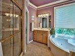 Snobeach - Third Floor Master Bathroom