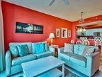 Majestic Sun 203B - Living Room