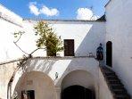B&B in dimora storica del Salento a Presicce con camere ampie e confortevoli dotate di ang. cottura