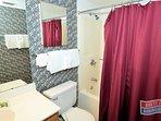 Phoenix 3 Orange Beach P3-3034 Guest Bathroom