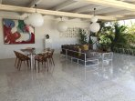Huge Patio 100m2, gas-BBQ, radio/cd, dining for 8 and outdoor lounge area
