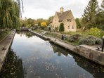 Once you've explored the village, you'll arrive at Iffley Lock, where you can sit and dream.