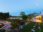Our villa offers all the facilities for you to luxuriate unique holidays