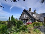 Morawel apartment is on the second floor of the owner's house with stunning views in Harlech