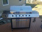 Grill with 6 burners purchased new in 2017 (propane included)